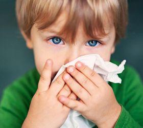 Причины непроходящего насморка у детей