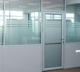 Какие двери подойдут для офиса