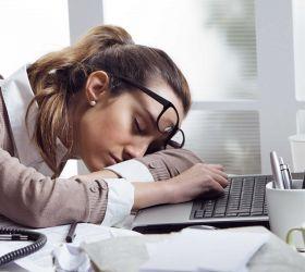 При каких проблемах в организме может быть повышенная сонливость в течение дня
